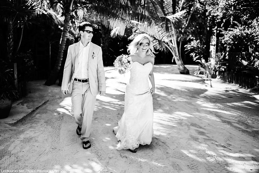 Belize wedding at Ramon's Village. Belize wedding photography by Leonardo Melendez Photography.