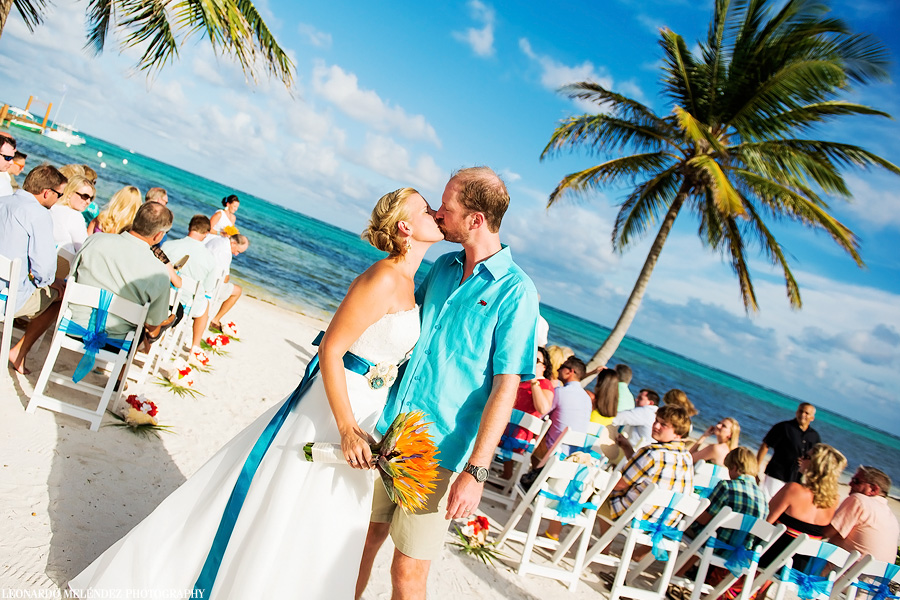 Belize wedding photography.  Belize Grand Caribe wedding.  Leonardo Melendez Photography.