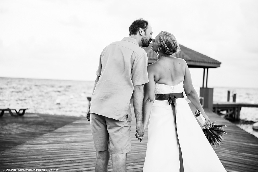 Grand Caribe Belize wedding photography.  Belize wedding photographer, Leonardo Melendez.
