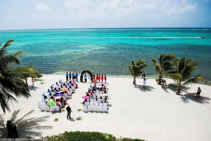 Grand Caribe Belize wedding. Belize wedding photography by Leonardo Melendez Photography.