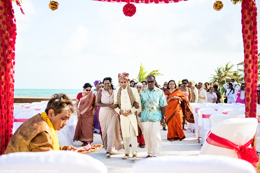 Belize Hindu wedding at Grand Caribe Resort. Leonardo Melendez Photography.