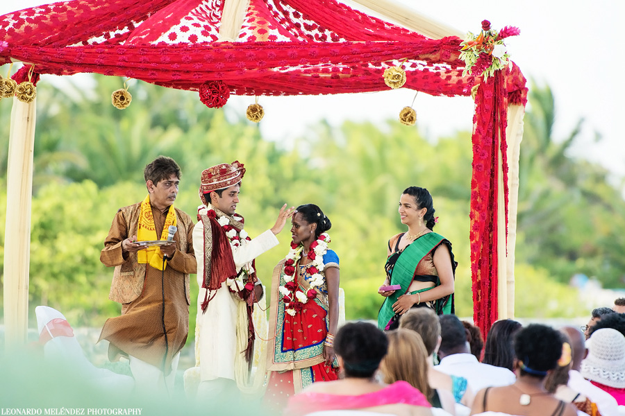 Belilze Hindu wedding at Grand Caribe Resort. Leonardo Melendez Photography.