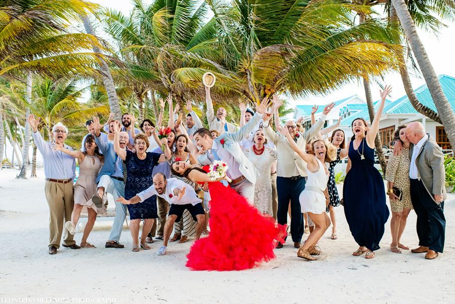 Belize Victoria House Wedding. BBelize beach wedding at Victoria House. Belize wedding photographers, Leonardo Melendez Photography.