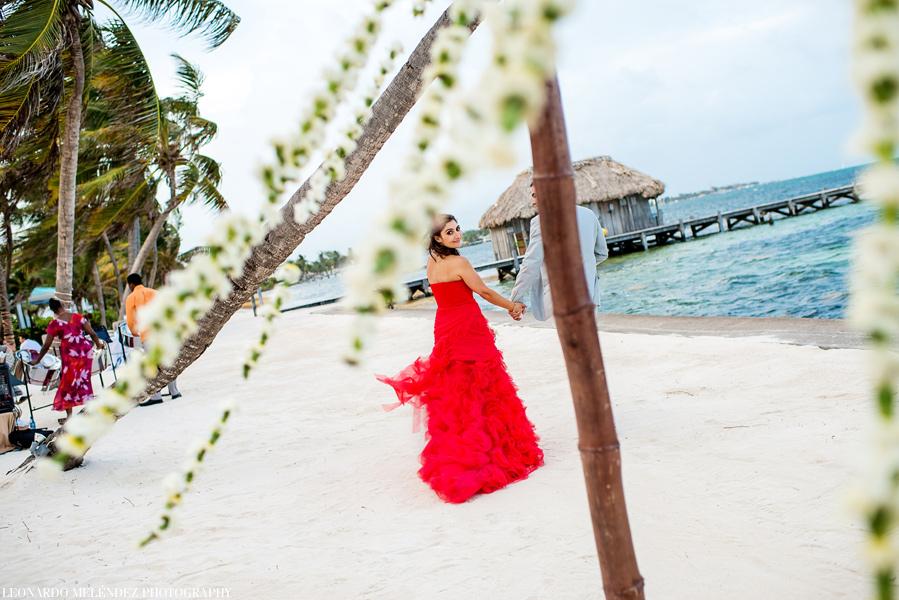Victoria House beach wedding. Belize wedding photographers Leonardo Melendez Photography.
