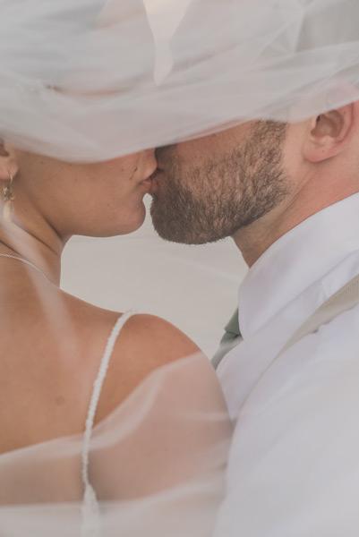 Belize beach wedding photographs by Leonardo Melendez Photography.
